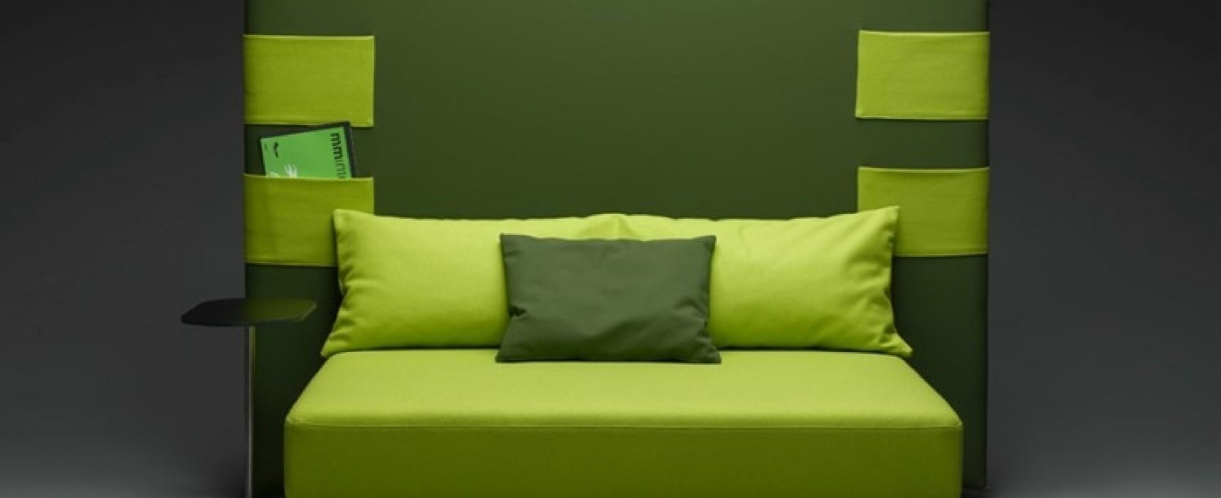 صوفا خضراء يمكن تحويلها الى سرير